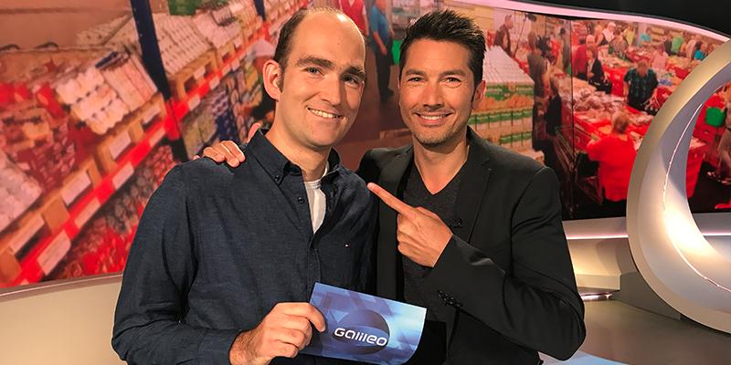 ProSieben-Sendung Galileo in DGS: Der gehörlose David Herb mit Moderator Stefan Gödde